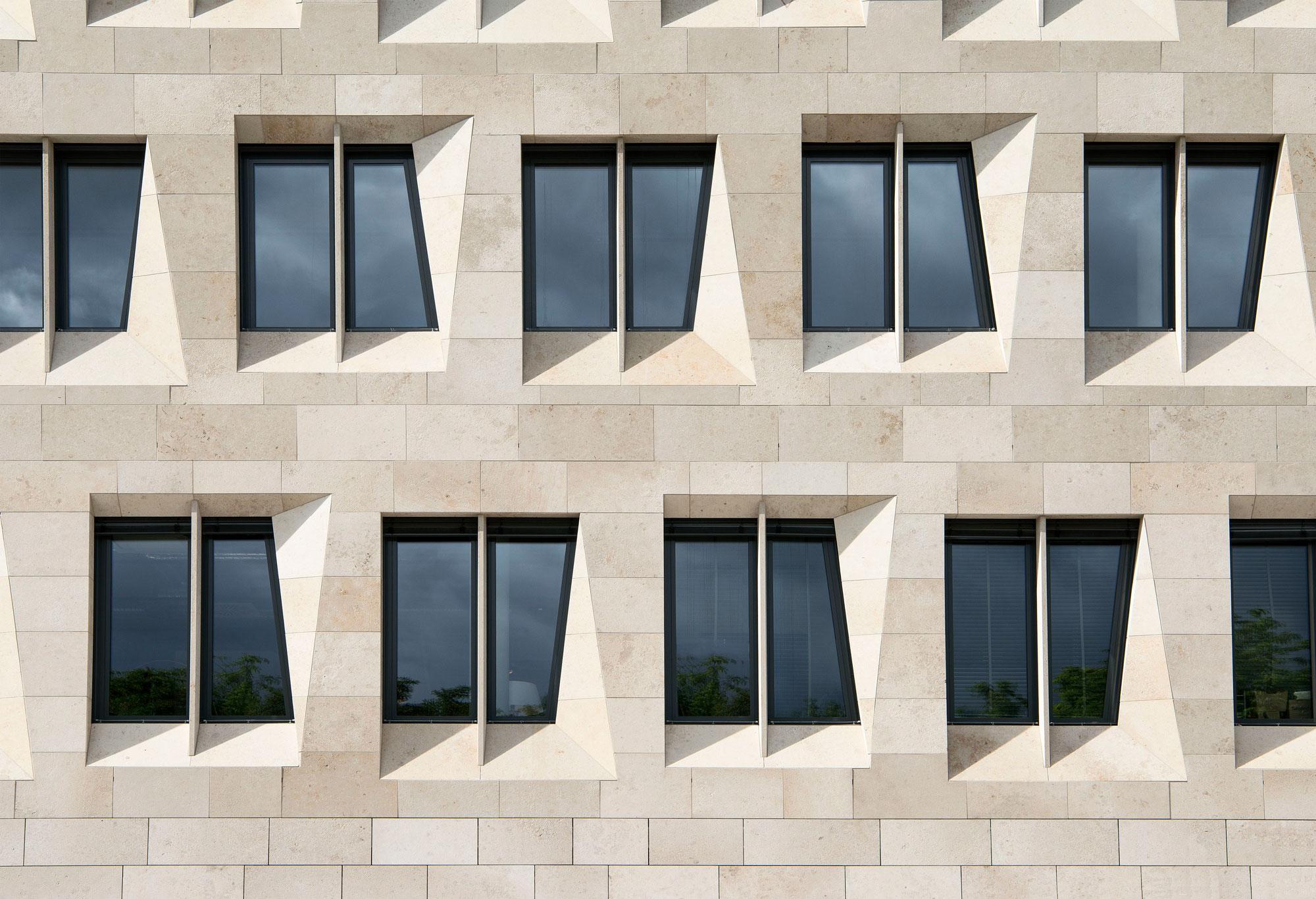 Dorotheen Quartier by Behnisch Architekten