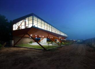 Skyline Office by FLXBL Design Consultancy