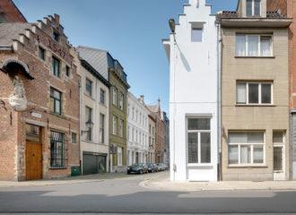One Room Hotel by dmvA Architecten
