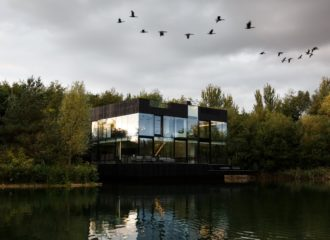 Glass Villa on the Lake by Mecanoo